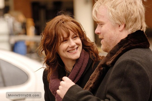 The Savages - Publicity still of Laura Linney & Philip Seymour Hoffman