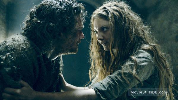 Game of Thrones -  Natalie Dormer & Finn Jones