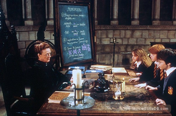 Harry Potter and the Sorcerer's Stone - Publicity still of Daniel Radcliffe, Rupert Grint, Emma Watson & Maggie Smith
