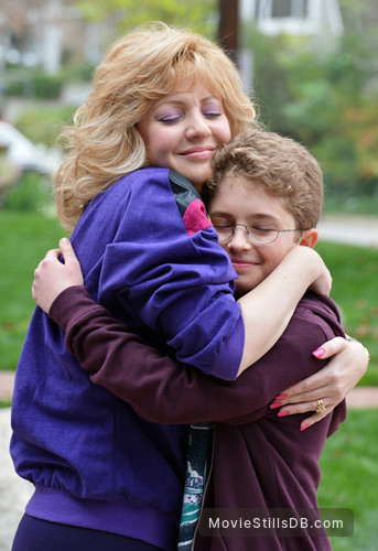 The Goldbergs - Publicity still of Wendi McLendon-Covey & Sean Giambrone