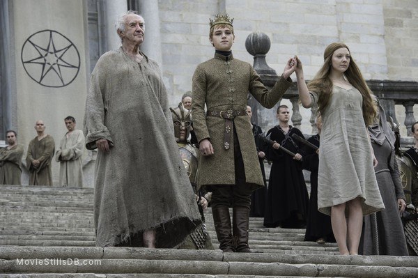 Game of Thrones - Publicity still of Natalie Dormer, Dean-Charles Chapman & Jonathan Pryce