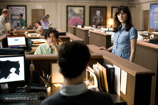 (500) Days of Summer - Publicity still of Zooey Deschanel & Geoffrey Arend