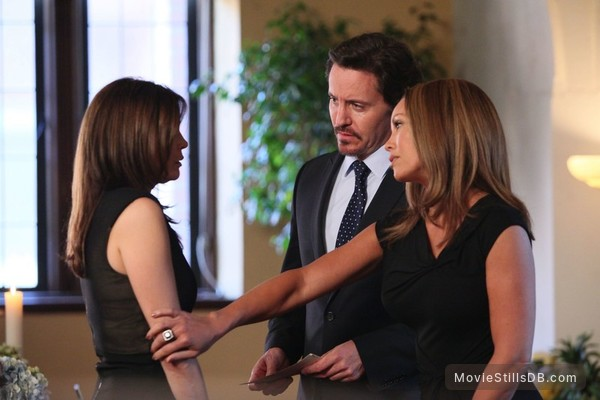 Desperate Housewives Episode 8x17 Publicity Still Of Teri Hatcher Charles Mesure