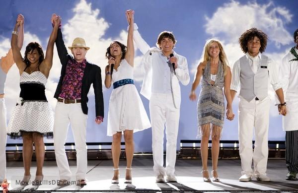 High School Musical 2 - Publicity still of Zac Efron, Vanessa Hudgens, Ashley Tisdale, Corbin Bleu, Lucas Grabeel & Monique Coleman