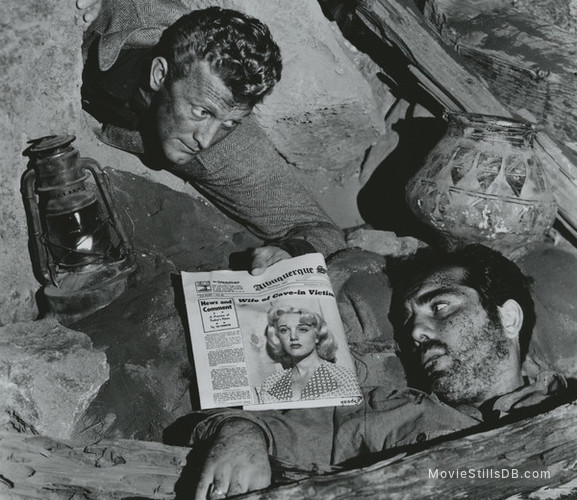 Ace in the Hole - Publicity still of Kirk Douglas