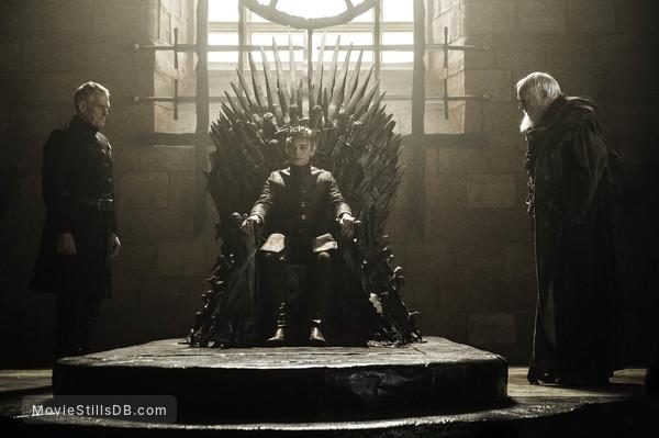 Game of Thrones - Publicity still of Julian Glover, Dean-Charles Chapman & Ian Gelder