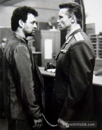 Red Heat - Publicity still of Ed O'Ross & Arnold Schwarzenegger