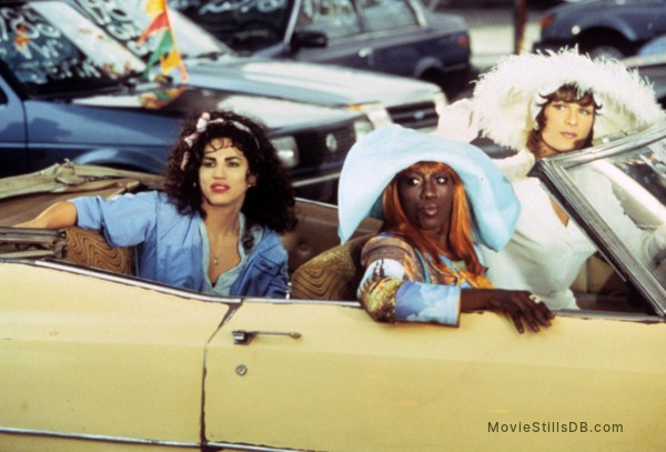 To Wong Foo Thanks for Everything, Julie Newmar - Publicity still of Patrick Swayze, Wesley Snipes & John Leguizamo