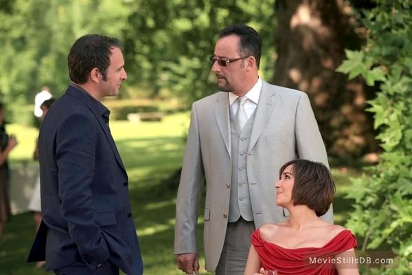 Ca$h - Publicity still of Jean Reno, Valeria Golino & Jean Dujardin