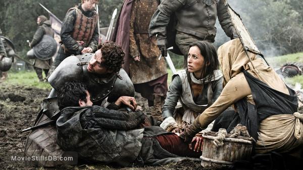 Game of Thrones - Publicity still of Richard Madden & Oona Chaplin