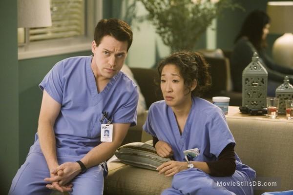 Grey's Anatomy - Publicity still of Sandra Oh & T.R. Knight