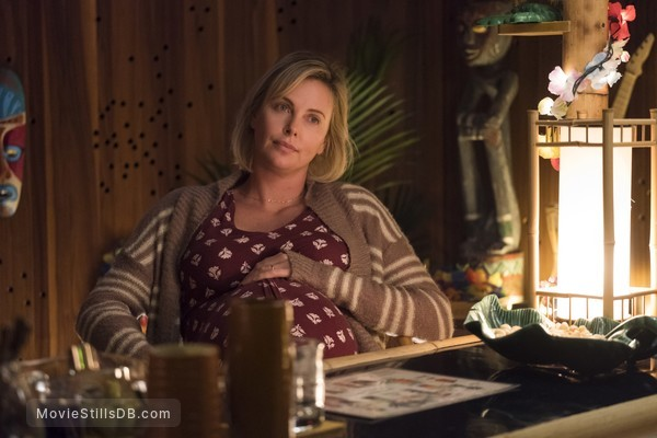 Tully - Publicity still of Charlize Theron