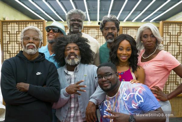 Uncle Drew - Publicity still of Kyrie Irving, Reggie Miller, Nate Robinson, Shaquille O'Neal, LilRel Howery, Chris Webber, Erica Ash & Lisa Leslie