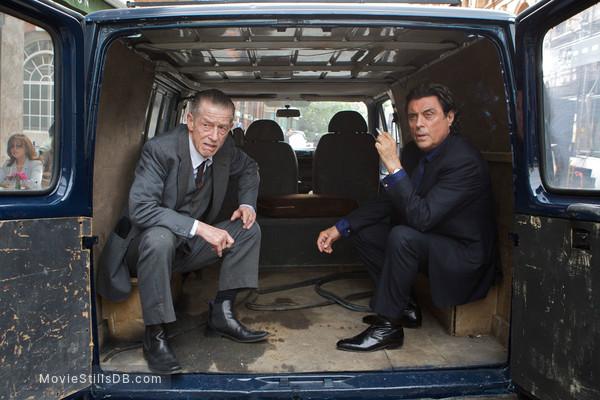 44 Inch Chest - Publicity still of John Hurt & Ian McShane