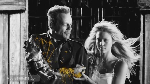 Sin City - Publicity still of Bruce Willis & Jessica Alba