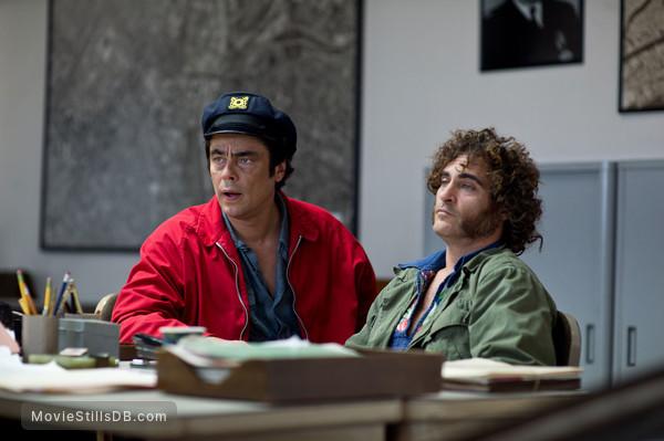 Inherent Vice - Publicity still of Joaquin Phoenix & Benicio del Toro