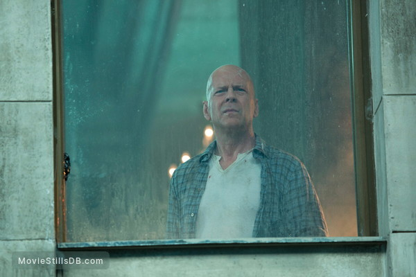 A Good Day to Die Hard - Publicity still of Bruce Willis