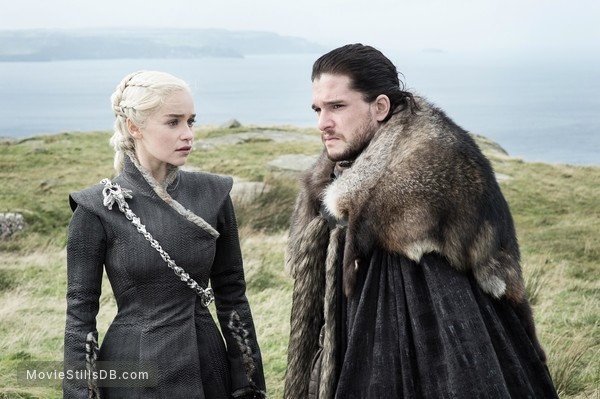 Game of Thrones - Publicity still of Kit Harington & Emilia Clarke