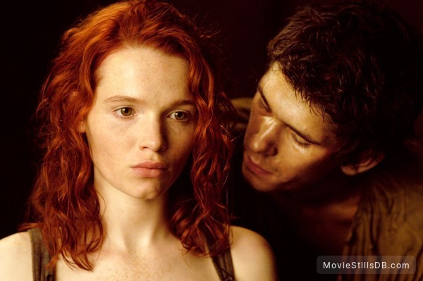Perfume: The Story of a Murderer - Publicity still of Ben Whishaw & Karoline Herfurth