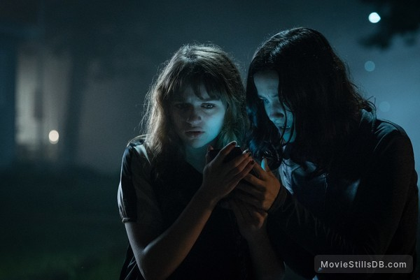 Slender Man - Publicity still of Joey King & Julia Goldani Telles
