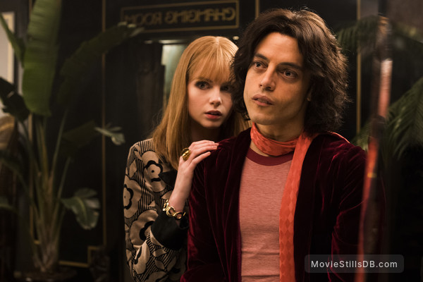 Bohemian Rhapsody - Publicity still of Lucy Boynton & Rami Malek