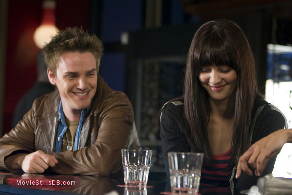 Make It Happen - Publicity still of Mary Elizabeth Winstead & Riley Smith