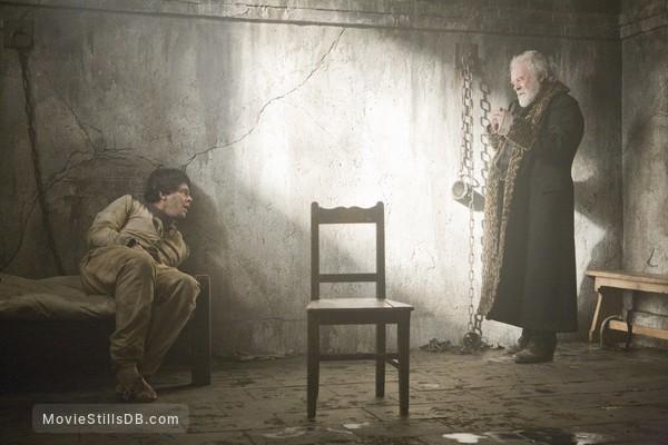 The Wolfman - Publicity still of Anthony Hopkins & Benicio del Toro