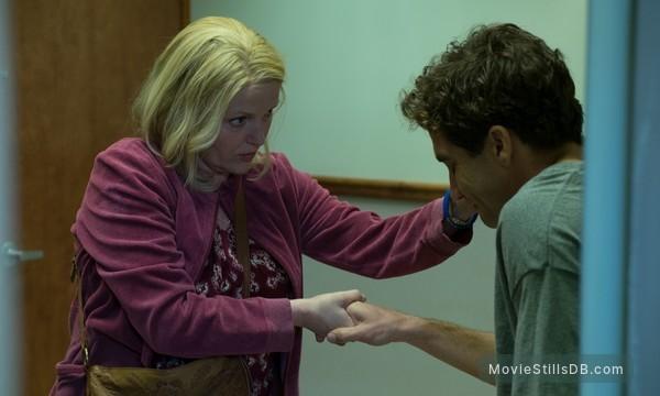 Stronger - Publicity still of Miranda Richardson & Jake Gyllenhaal