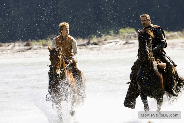 Eragon - Publicity still of Ed Speleers & Jeremy Irons