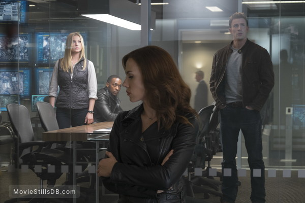 Captain America: Civil War - Publicity still of Scarlett Johansson, Chris Evans, Emily VanCamp & Anthony Mackie