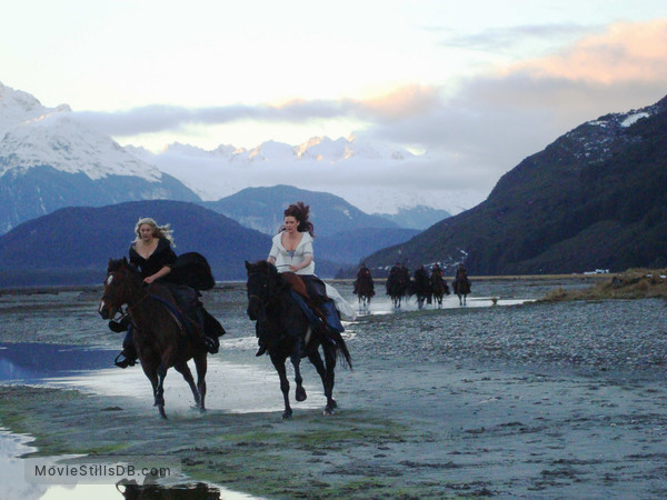 Legend of the Seeker - Publicity still of Bridget Regan & Tania Nolan