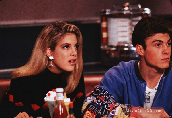 Beverly Hills, 90210 - Publicity still of Tori Spelling & Brian Austin Green