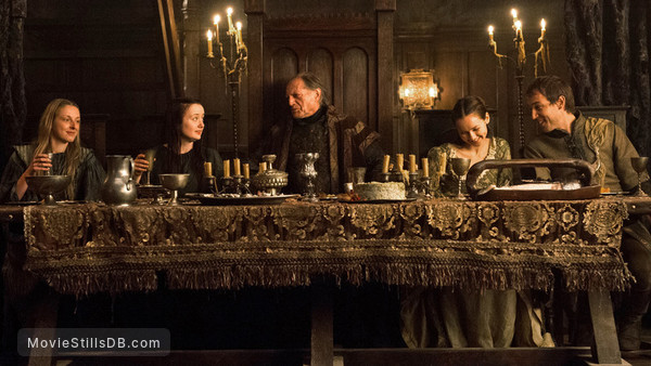 Game of Thrones - Publicity still of David Bradley, Tobias Menzies, Alexandra Dowling & Kelly Long