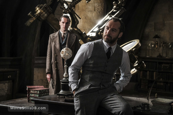Fantastic Beasts: The Crimes of Grindelwald - Publicity still of Jude Law & Jonathan Saint-james