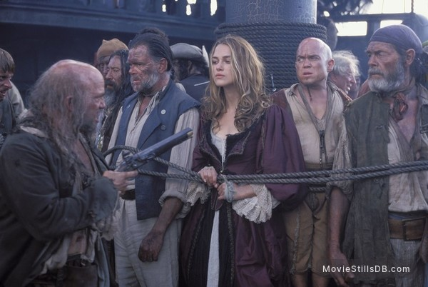 Pirates of the Caribbean: The Curse of the Black Pearl - Publicity still of Keira Knightley, Kevin McNally, Martin Klebba, David Bailie & Lee Arenberg