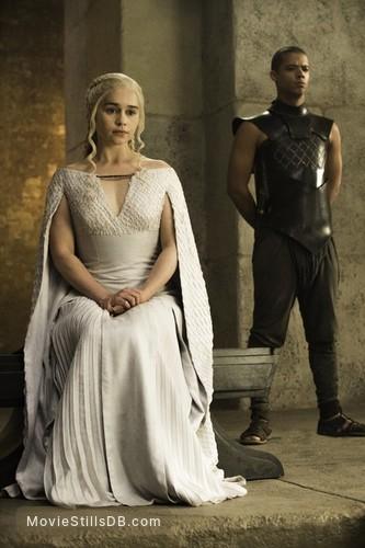 Game of Thrones - Publicity still of Emilia Clarke & Jacob Anderson