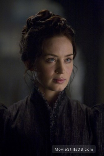 The Wolfman - Publicity still of Emily Blunt