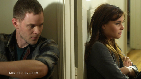 Conception - Publicity still of Aaron Ashmore & Leah Pipes