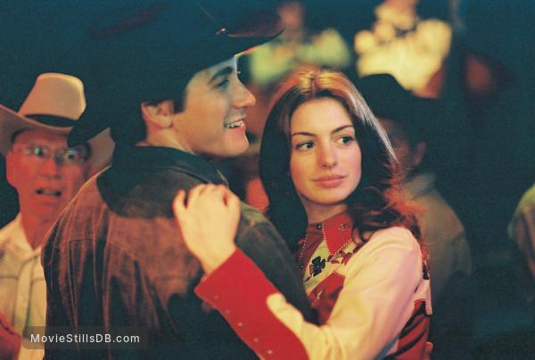 Brokeback Mountain - Publicity still of Jake Gyllenhaal & Anne Hathaway
