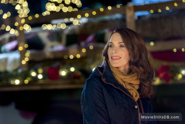Christmas Getaway Movie.Christmas Getaway Publicity Still Of Bridget Regan