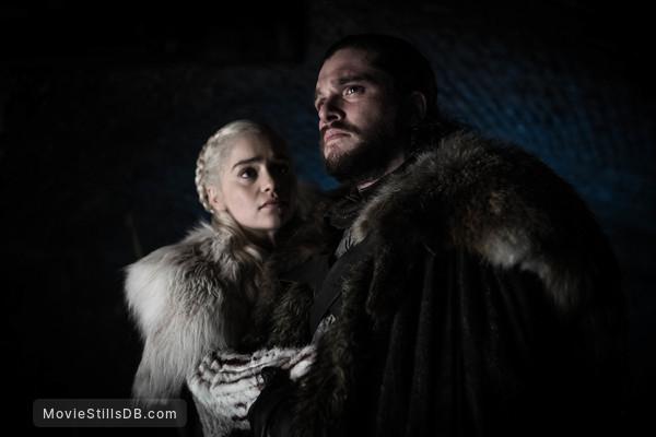 Game of Thrones - Publicity still of Emilia Clarke & Kit Harington