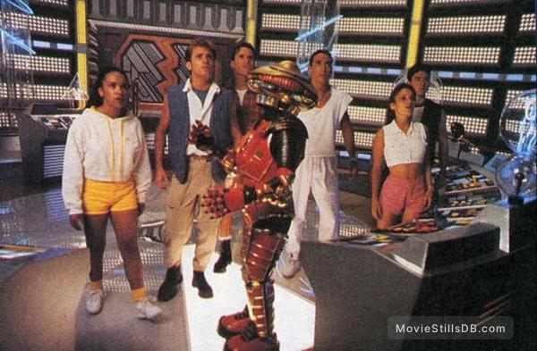Mighty Morphin Power Rangers: The Movie - Publicity still of Amy Jo Johnson, Jason David Frank, Johnny Yong Bosch, Steve Cardenas, Karan Ashley, David Yost & Peta-Maree Rixon