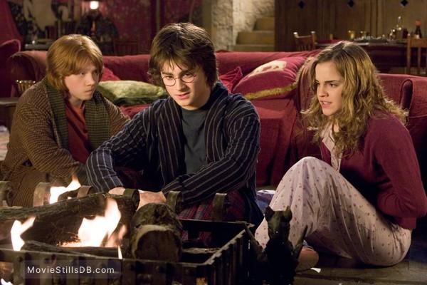 Harry Potter and the Goblet of Fire - Publicity still of Daniel Radcliffe, Emma Watson & Rupert Grint