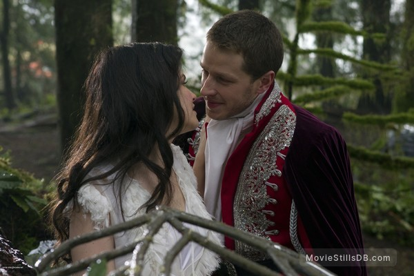 Once Upon a Time - Publicity still of Josh Dallas & Ginnifer Goodwin