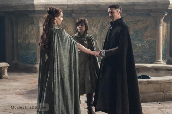 Game of Thrones - Publicity still of Aidan Gillen, Kate Dickie & Lino Facioli