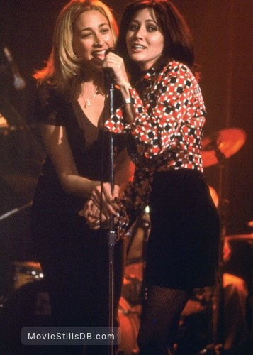 Friends 'Til the End - Publicity still of Shannen Doherty & Jenniefer Blanc