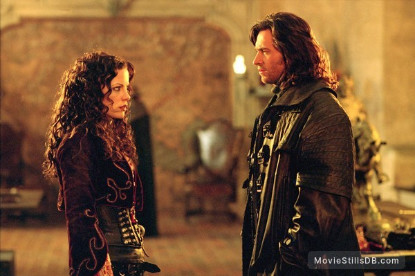 Van Helsing - Publicity still of Hugh Jackman & Kate Beckinsale