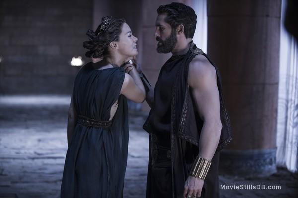 The Legend of Hercules - Publicity still of Scott Adkins & Roxanne McKee