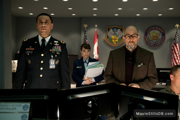 Man of Steel - Publicity still of Harry Lennix, Richard Schiff & Christina Wren