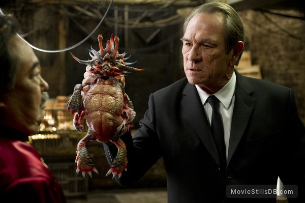 Men in Black 3 - Publicity still of Keone Young & Tommy Lee Jones